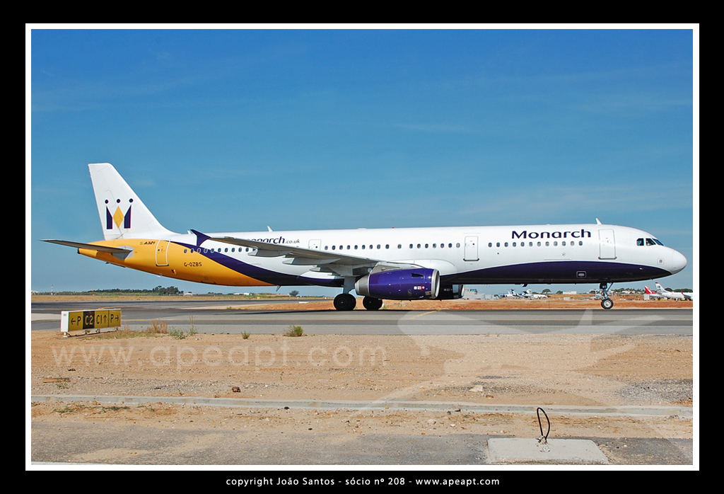 MONARCH AIRLINES A321 G-OZBS.jpg