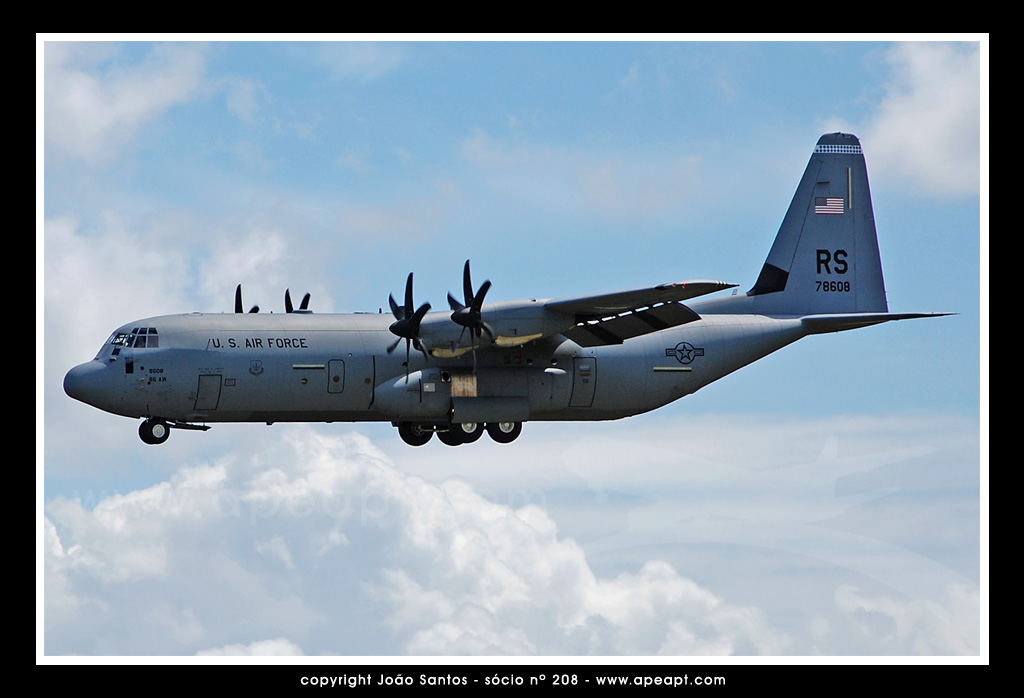 US AIR FORCE C-130 78608.jpg