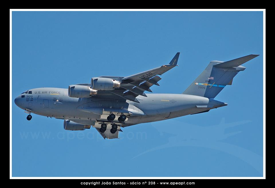 US AIR FORCE BOEING C-17A GLOBEMASTER III 07-7170.jpg
