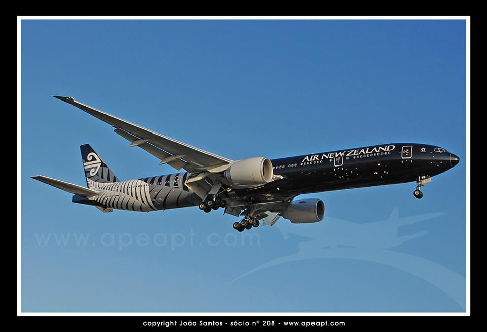 AIR NEW ZEALAND B777 ZK-OKQ.jpg