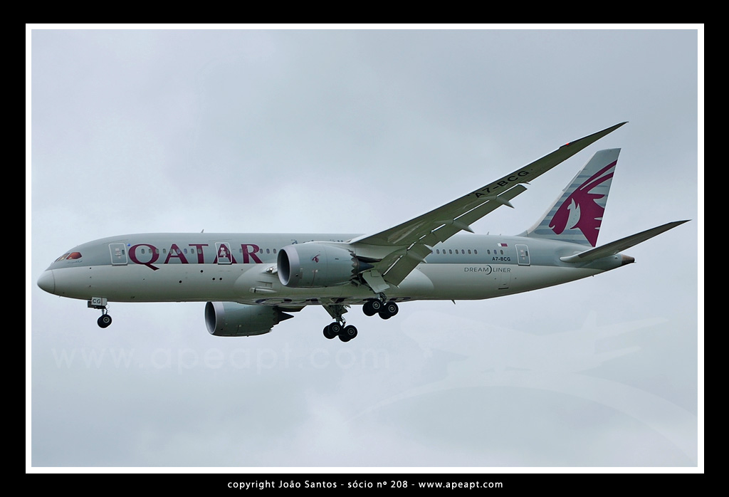 QATAR AIRWAYS B787 A7-BCG.jpg