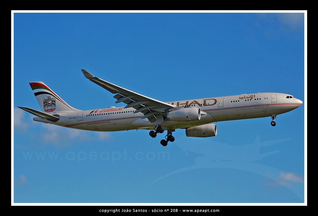 ETIHAD AIRWAYS A330 A6-AFD.jpg