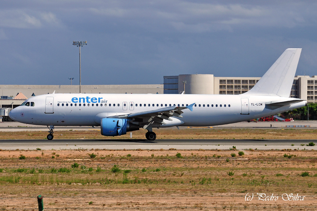 YL-LCM A320 ENTER AIR_1024.jpg