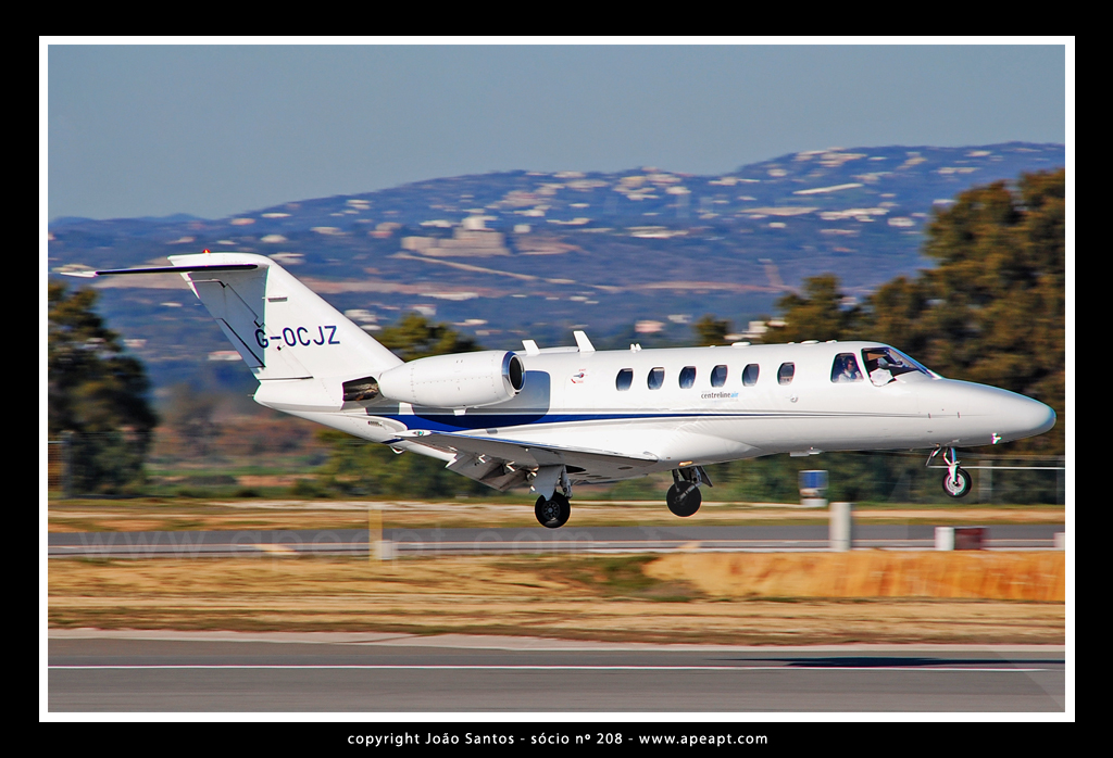 CENTRELINE AIR CHARTER CESSNA 525A CITATION CJ2 G-OCJZh.jpg
