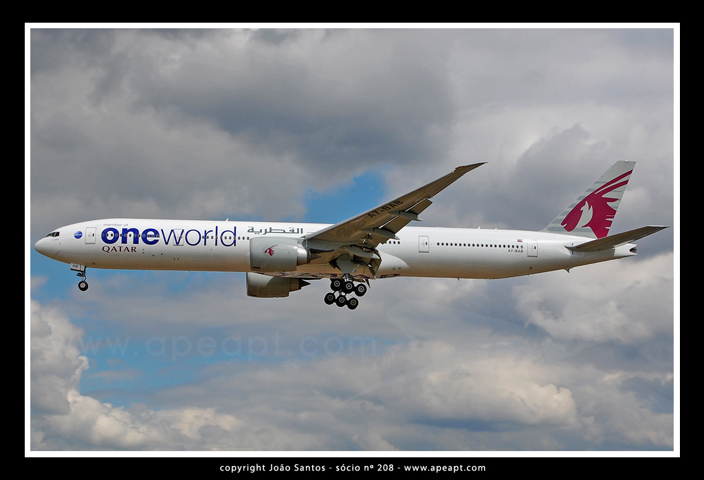 QATAR AIRWAYS B777 A7-BAB.jpg