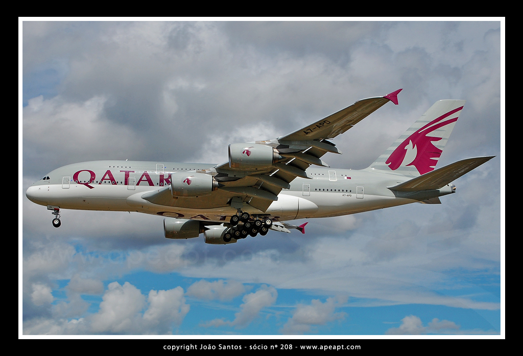 QATAR AIRWAYS A380 A7-APD.jpg