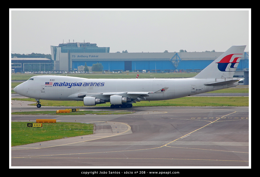 MALAYSIA AIRLINES CARGO AS B747 9M-MPS.jpg