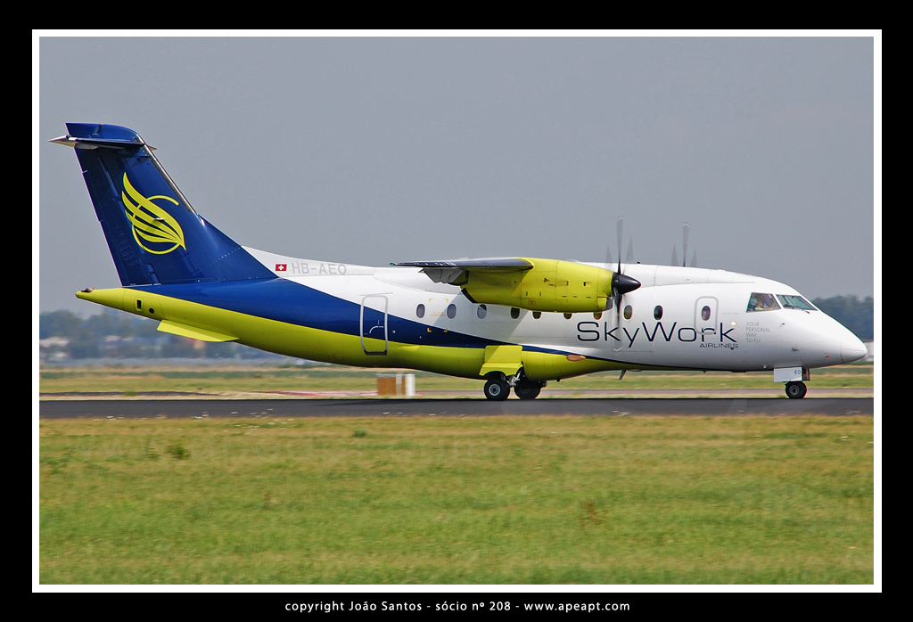 SKYWORK AIRLINES DORNIER 328-100 HB-AEO.jpg