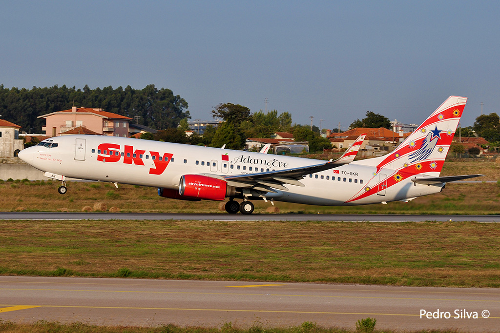 TC-SKR B737-800 SKY AIRLINES_1024.jpg