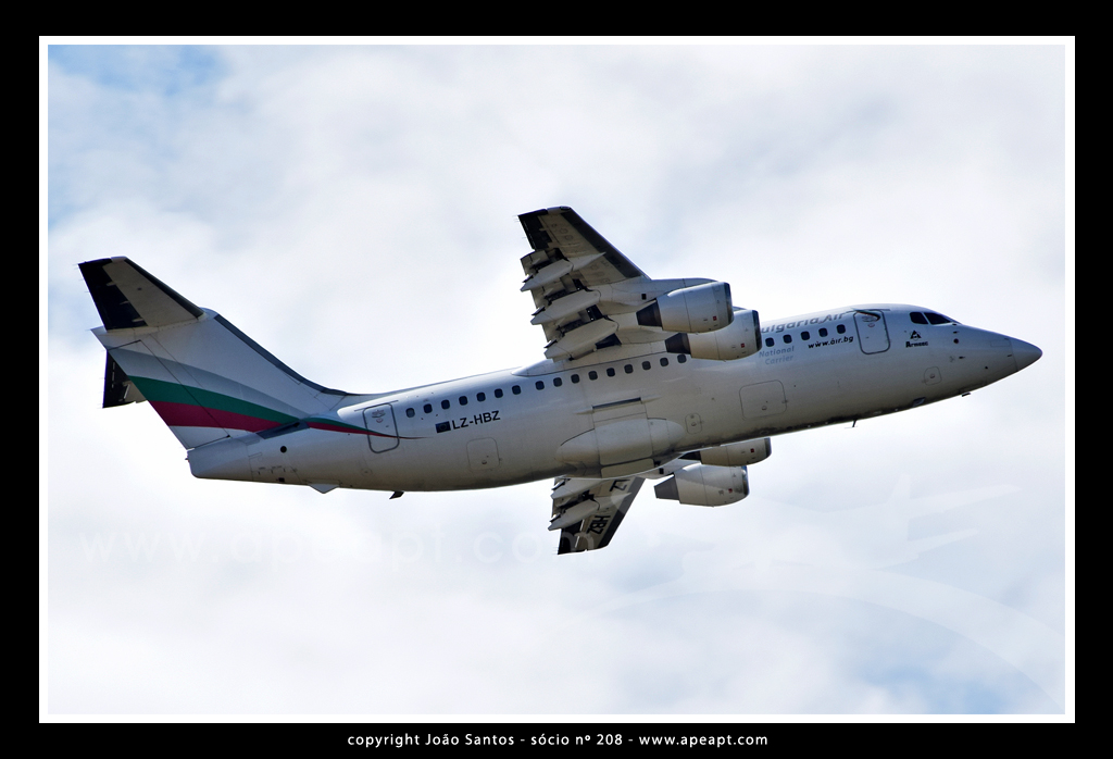 BULGARIA AIR BRITISH AEROSPACE BAe 146-200 LZ-HBZ.jpg