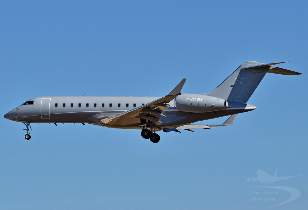 FINESSE EXECUTIVE Ltd BOMBARDIER BD-700-1A10 GLOBAL EXPRESS G-GLBX.jpg