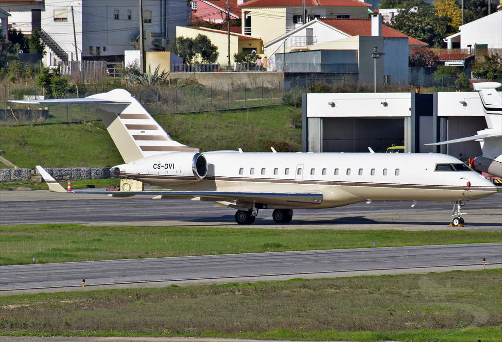 AIR JETSUL BOMBARDIER BD-700-1A10 GLOBAL EXPRESS CS-DVI.jpg