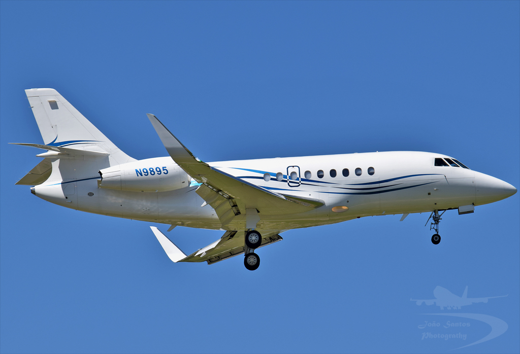 WELLS FARGO BANK NORTHWEST NA TRUSTEE DASSAULT FALCON 2000EX N9895.jpg