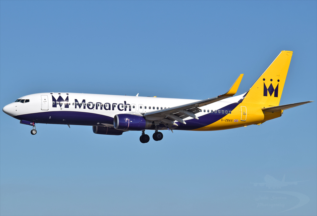 MONARCH AIRLINES B737 G-ZBAV.jpg