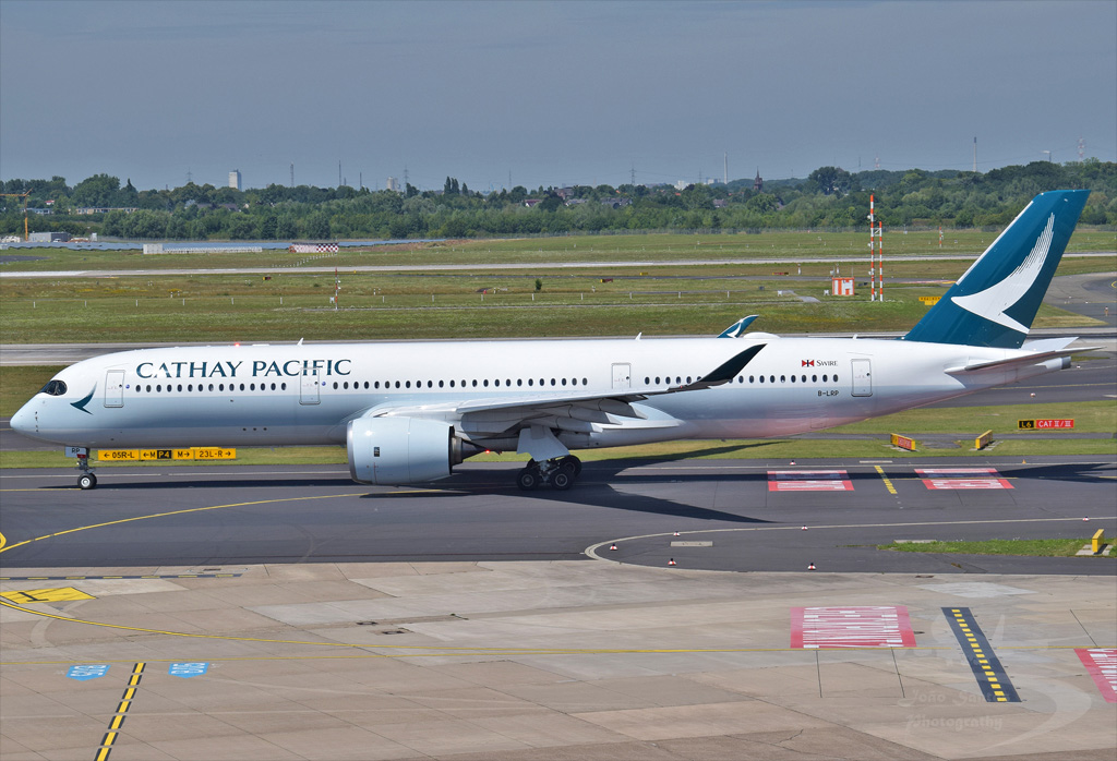 CATHAY PACIFIC A350 B-LRP.jpg