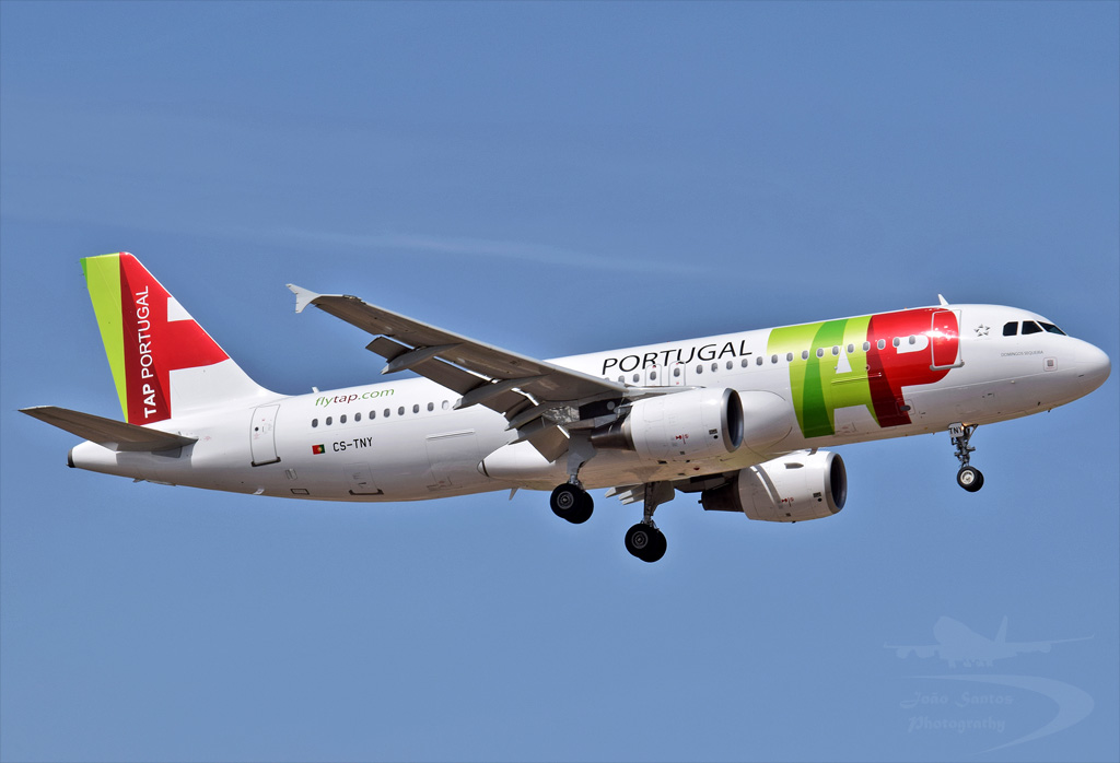 TAP PORTUGAL A320 CS-TNY.jpg