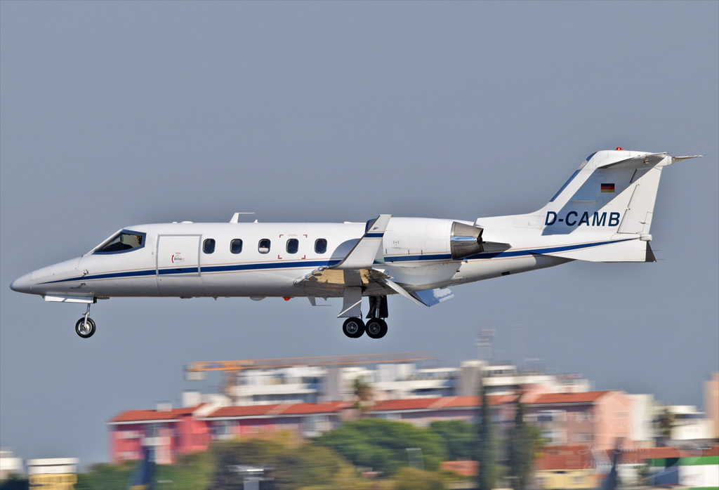 PRIVADO BOMBARDIER LEARJET 31A D-CAMB.jpg