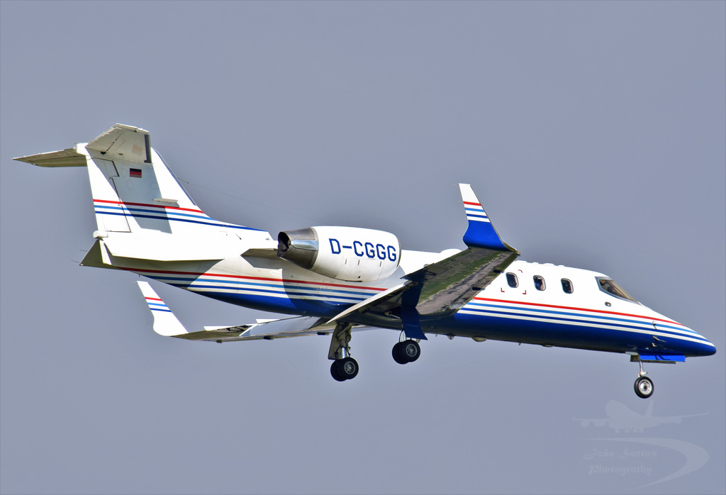 JETCALL BOMBARDIER LEARJET 31A D-CGGG.jpg
