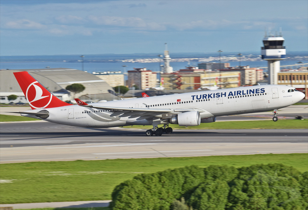 TURKISH AIRLINES A330 TC-JOI.jpg